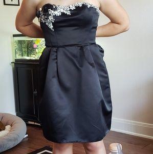 SHERRI HILL Formal Cocktail Dress